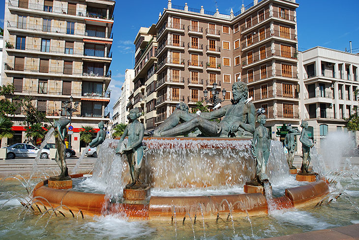 Fountain in Plaza de la Virgen